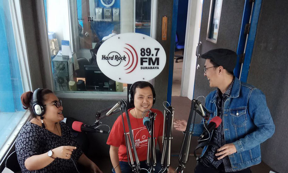 Interview di Radio Hard Rock FM Surabaya