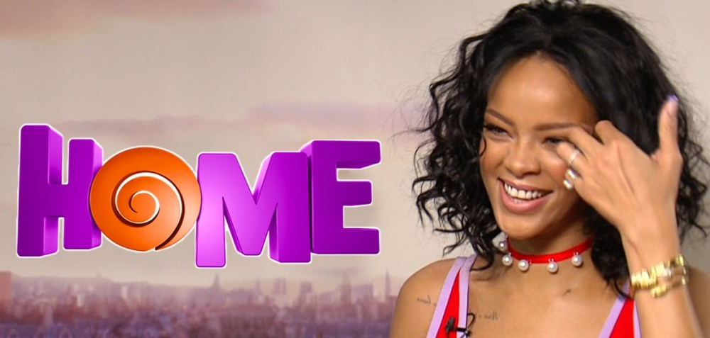 "Preview Dua Lagu Rihanna Untuk Soundtrack ""Home"", 'Dancing In The Dark' & 'As Real As You And Me'"