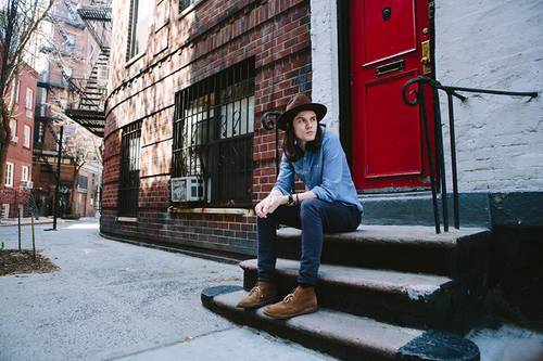 "James Bay Rilis ""Running"" Sebagai Single Sport Relief 2016"