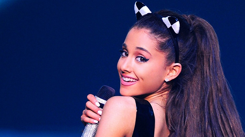 "Ariana Grande Akan Merilis Single 'Focus On Me' Dari Album ""Moonlight"""