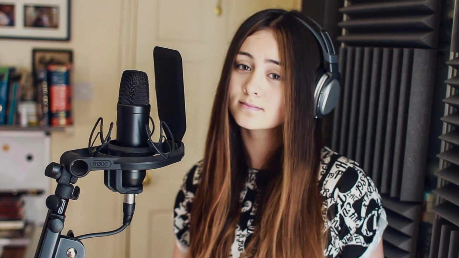 Debut Original Single Jasmine Thompson 'Adore'