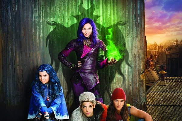 "Album Soundtrack ""Descendants"" Mengambil Posisi #1 Billboard 200"