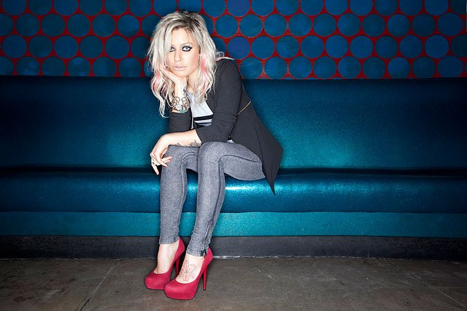 Exclusive Interview With Gin Wigmore