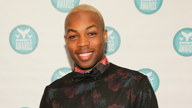 Don't Stop The Music! Todrick Hall Hadirkan Video Mash-up Hits Rihanna