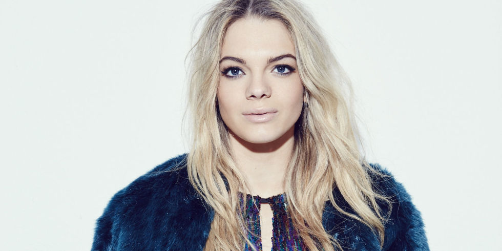Louisa Johnson Rilis Single Barunya, 'YES'