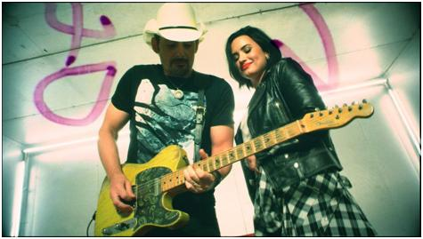 Brad Paisley Merilis Video Terbarunya 'Without a Fight' Featuring Demi Lovato