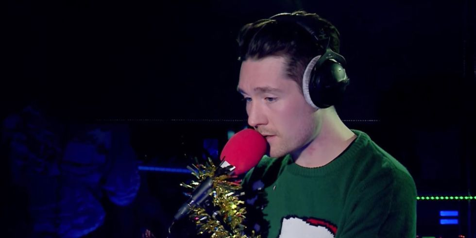Bastille Mengcover 'All I Want for Christmas Is You' Mariah Carey Untuk Radio 1 Live Lounge