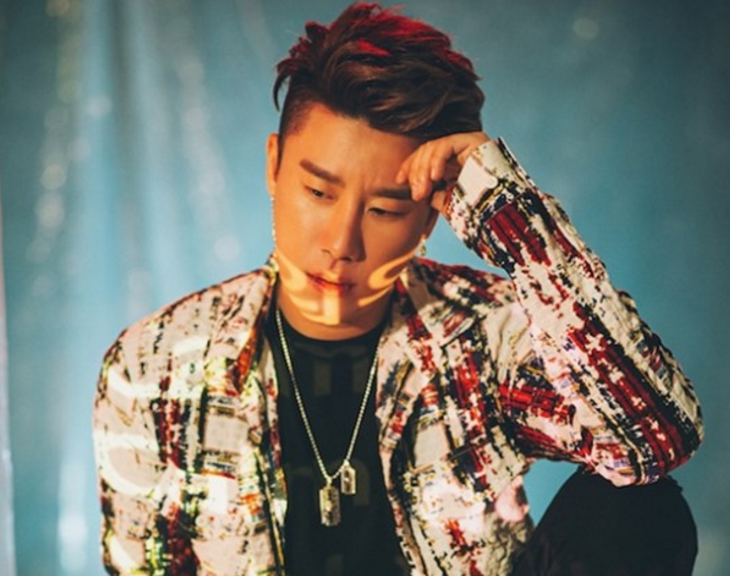 "San E Rilis Album Baru ""SEASON OF SUFFERING"" – Main Track 'I AM ME' feat. Hwasa 'MAMAMOO'"