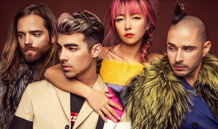 "DNCE Rilis Single ""Forever"" Untuk Soundtrack Film 'The Lego Batman Movie'"