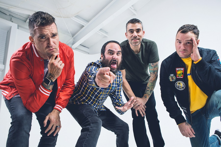 "Exclusive Pre Order CD New Found Glory – ""Makes Me Sick"""