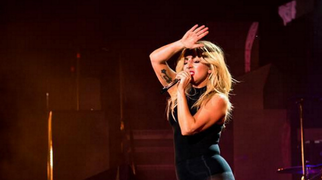 Lady Gaga Tarik Dari Peredaran Kolaborasinya Bersama R. Kelly, 'Do What U Want'