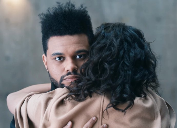 The Weeknd Bermain Kucing-Kucingan Bersama Gadis Misterius Di Video 'Secrets'
