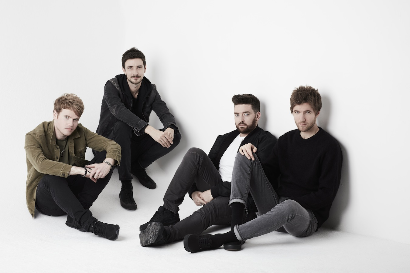 "Kodaline Rilis EP Baru 'I Wouldn't Be' Serta Musik Video ""Ready To Change"""