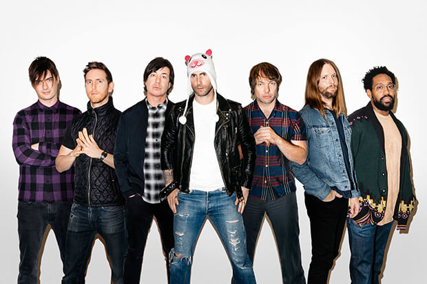 Maroon 5 Berkolaborasi Bersama Julia Michaels Di Single Baru, 'Help Me Out'