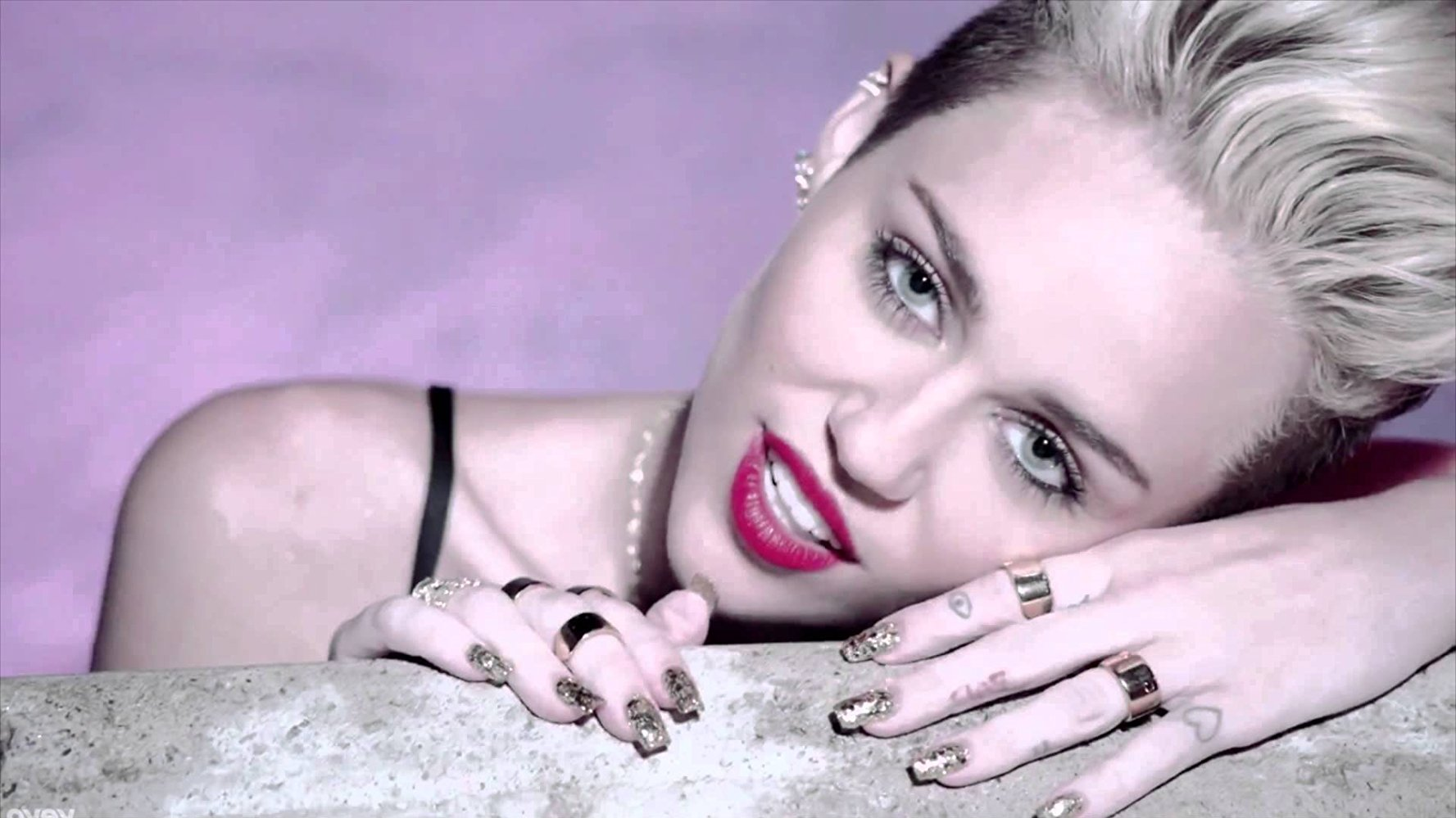 Miley Cyrus Tersandung Masalah Hukum Gara-Gara Single 'We Can't Stop'
