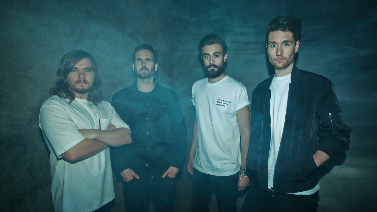 Bastille Hadirkan Single Baru Epik, 'Quarter Past Midnight'