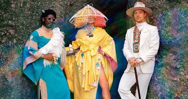 Kolaborasi Labrinth, Sia & Diplo Persembahkan Single Paling Quirky Mereka, 'Mountains'