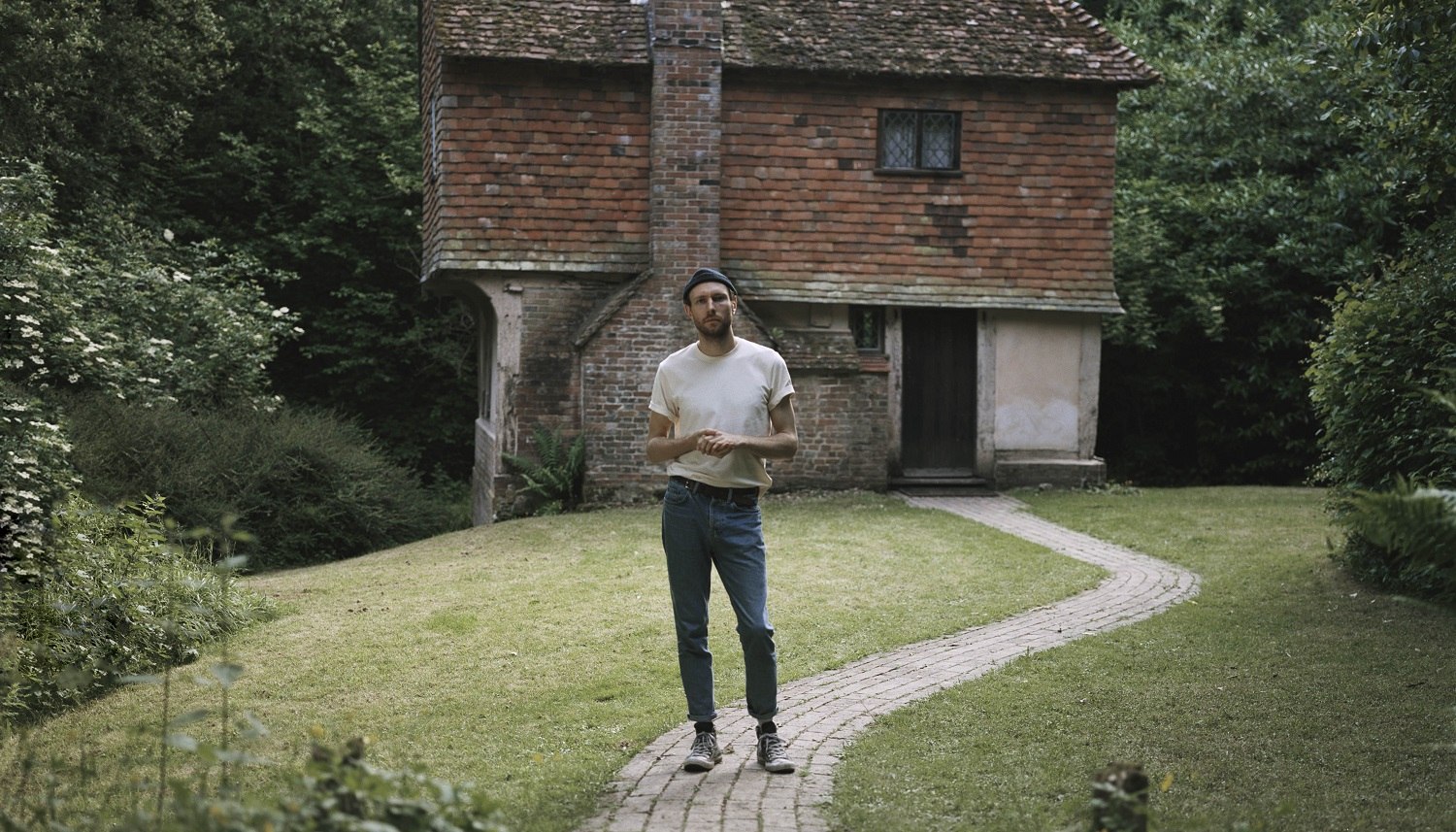 "'If We're Being Honest'; Surprise Novo Amor untuk Album Barunya, ""Cannot Be, Whatsoever"""