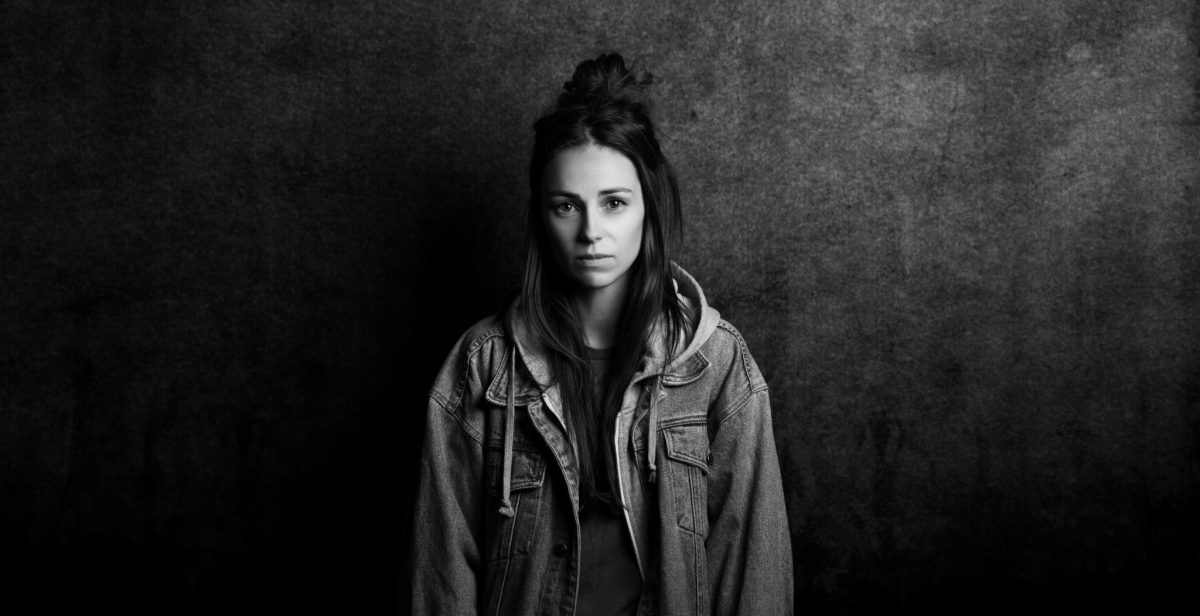 Lirik Lagu AMY SHARK – Everybody Rise