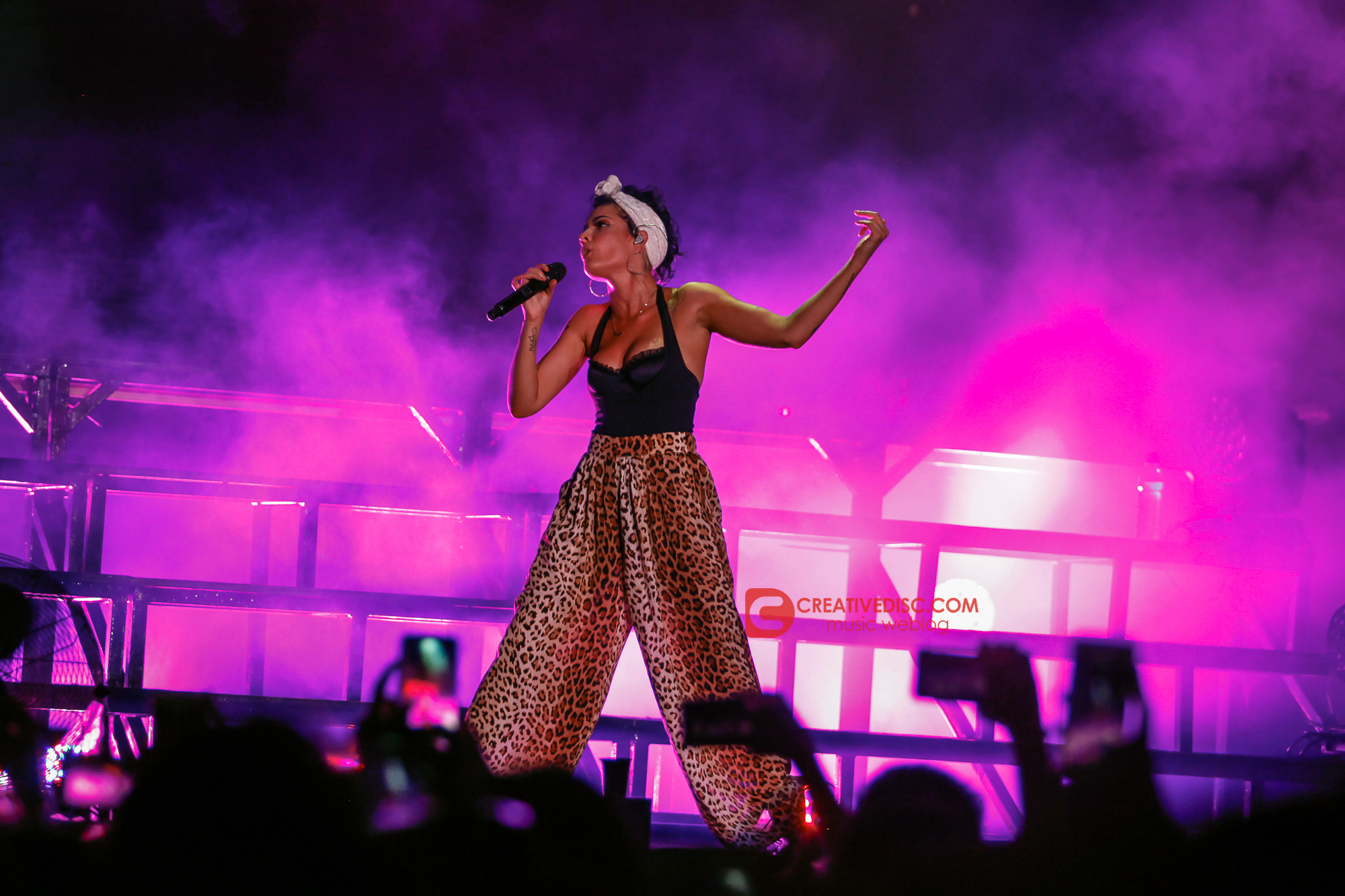 HALSEY Tampil Outstanding di ON/OFF Festival 2018