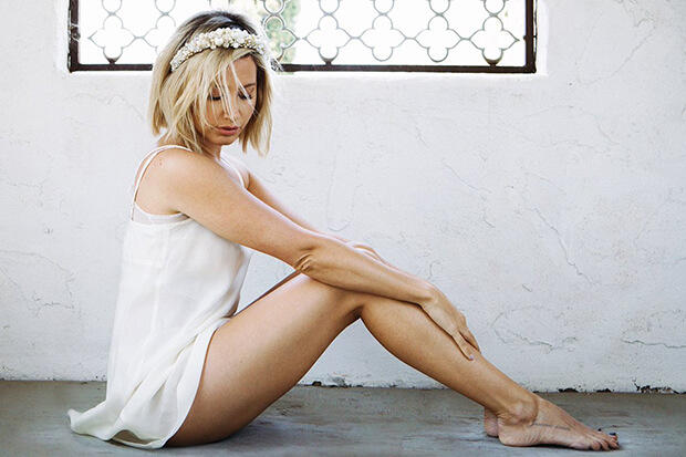 Ashley Tisdale Rilis Single Barunya, 'Voices In My Head'