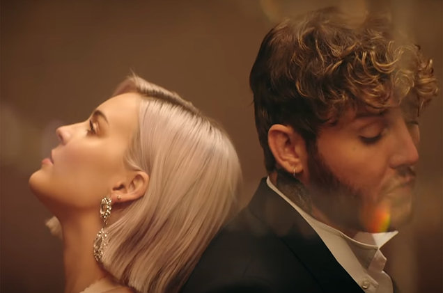 "Duet Manis Anne-Marie dan James Arthur ""Rewrite the Stars"" Untuk the Greatest Showman Reimagined"
