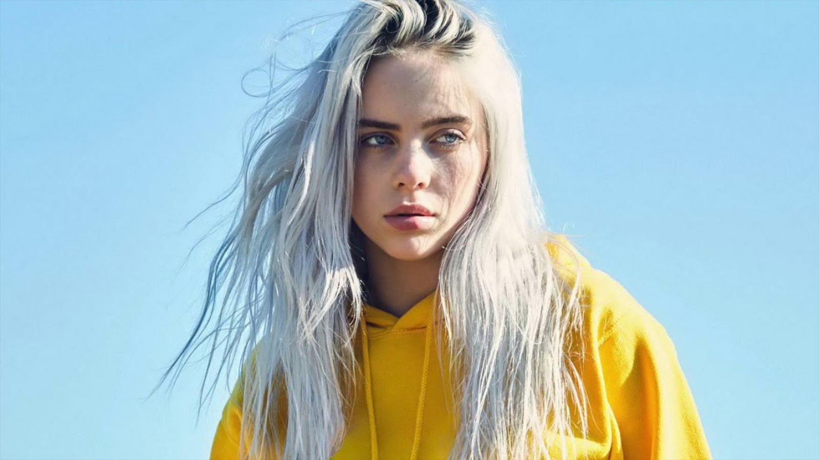 "Billie Eilish Catat Sejarah Sebagai Penerima ""Woman Of The Year"" Billboard Termuda"