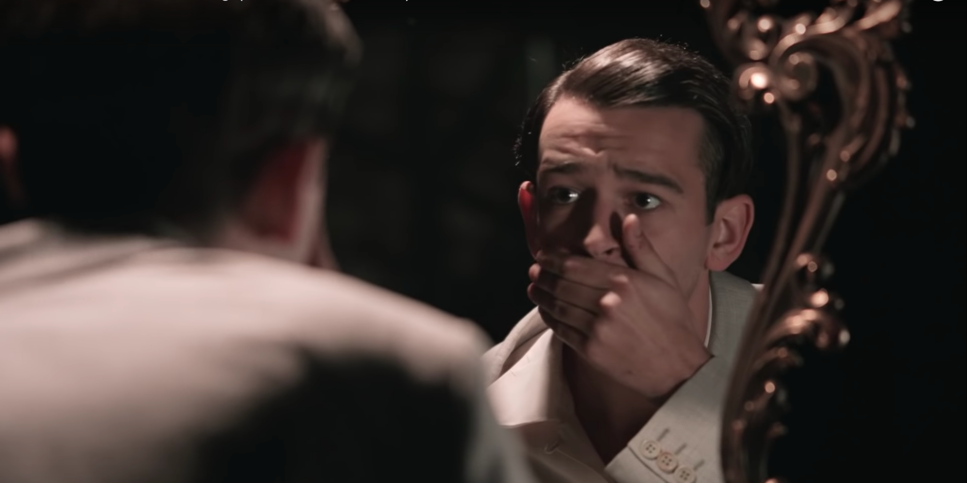 The 1975 Beri Tribut Kepada Talking Heads Dalam Video 'It's Not Living (If It's Not With You)'