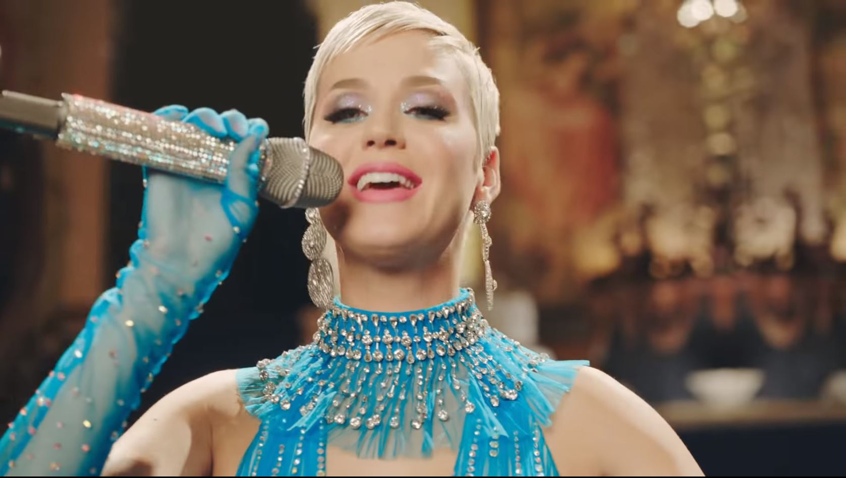 "Katy Perry Menjadi Karakter ""final Fantasy"" Di Video 'immortal Flame'"