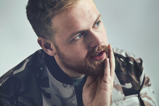 Tom Walker Rayakan Kemenangan Brit Awards Dengan Sajikan Single 'not Giving In'