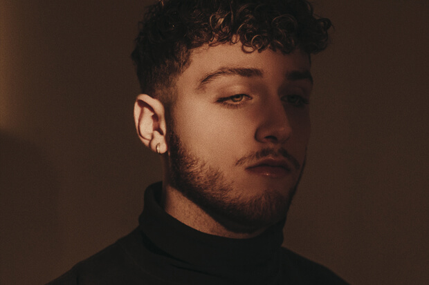Bazzi  Ajak Lakukan Perubahan Dalam Single Barunya, 'Caught In The Fire'