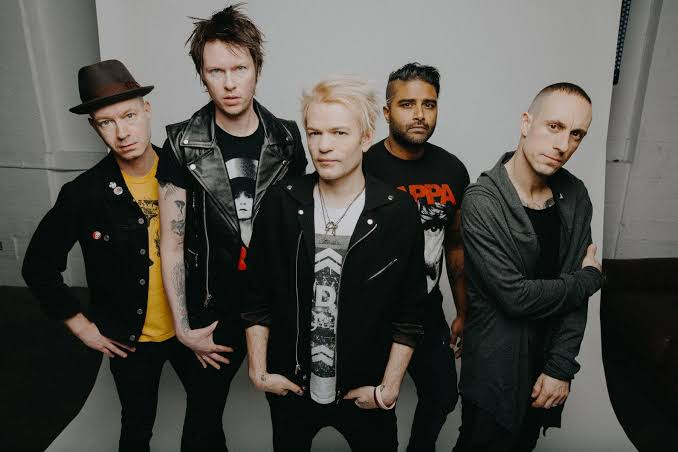 "SUM 41 Rilis 'A Death In The Family' untuk Album ""Order In Decline"""