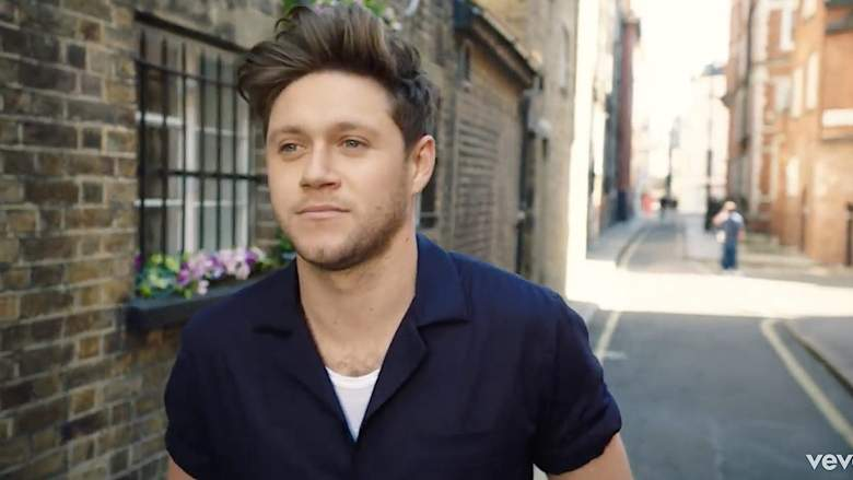 "Niall Horan Raih Album Jawara Pertama di UK Official Chart Berkat ""Heartbreak Weather"""