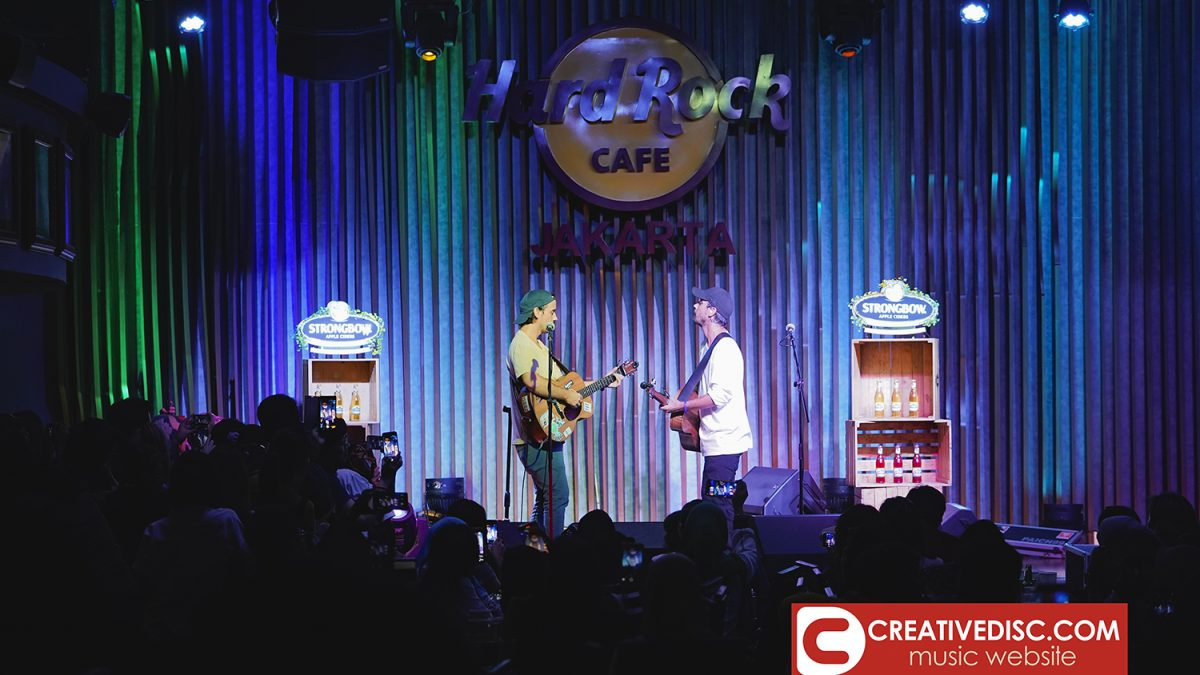 "Duo Bob & Clint Moffatt, Music Travel Love Beri Kejutan di Konser ""I Love Monday"" Hard Rock Cafe Jakarta"