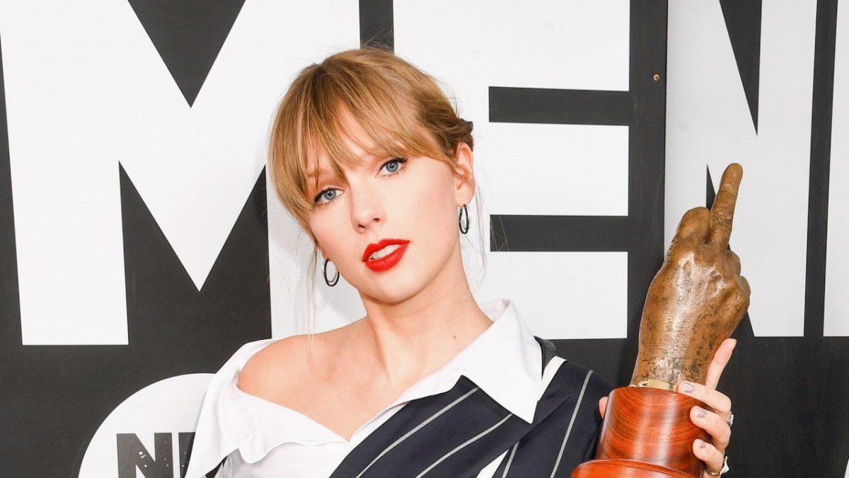 Billie Eilish & Lana Del Rey Sabet Piala, Taylor Swift Hadirkan Kejutan Di NME Awards 2020
