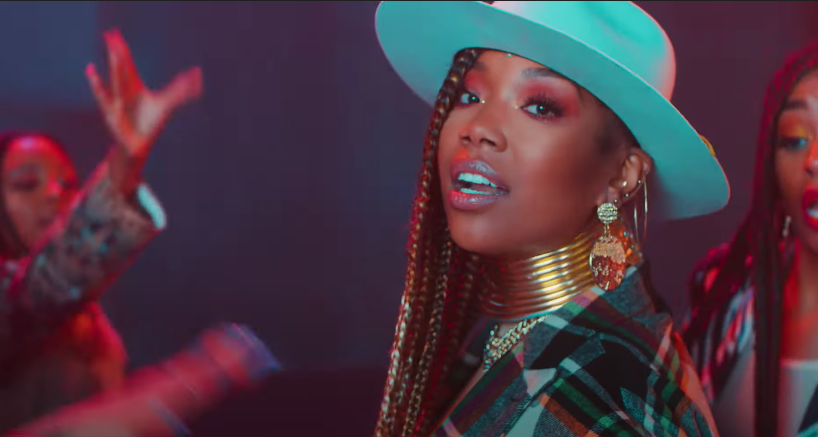 Brandy Sajikan Video Kolaborasi Bersama Chance The Rapper, 'Baby Mama'