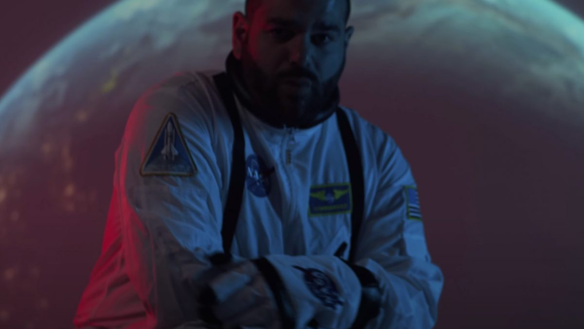 Lirik MASKED WOLF – Astronaut in the Ocean